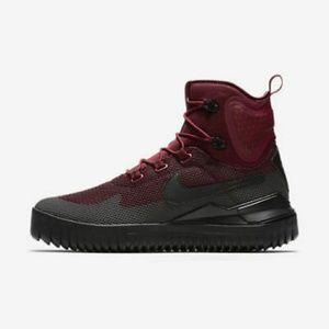 New Nike Mens Air Wild Mid Boots Size 11 Dark T